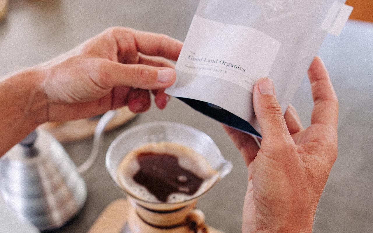 frinj-coffee-design-leo-basica-branding-1280×853